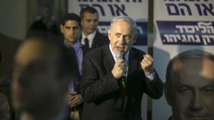 En durcissant son discours, le Premier ministre Netanyahu veut séduire les électeurs du Foyer juif.