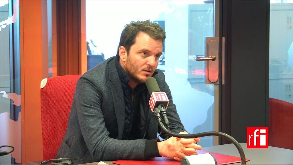 O jornalista francês David Thomson em entrevista à RFI