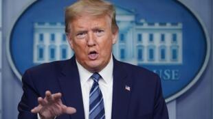 El presidente de Estados Unidos, Donald Trump, responde a preguntas durante una rueda de prensa en la Casa Blanca el 21 de abril de 2020