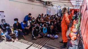 navio humanitário Ocean Viking