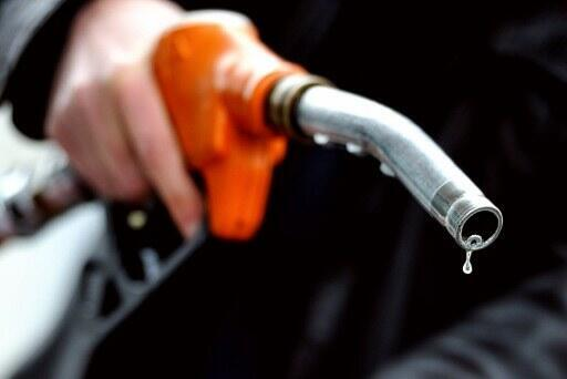 Os preços do combustível na França atingem altas históricas.