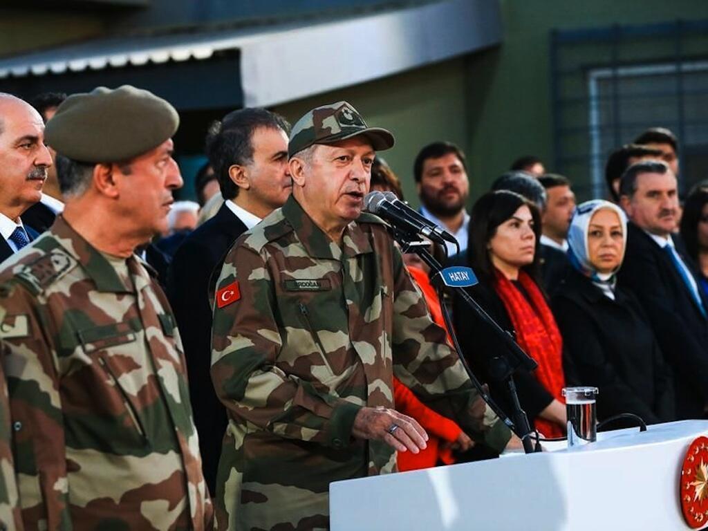 Rais wa Uturuki Recep Tayyip Erdogan, Aprili 1, katika eneo la Hatay kwenye mpaka na Syria.