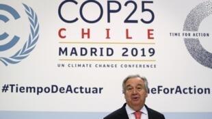 Tổng thư ký Liên Hiệp Quốc Antonio Guterres phát biểu trong cuộc họp báo về COP 25 tại Madrid, Tây Ban Nha, ngày 01/12/2019.