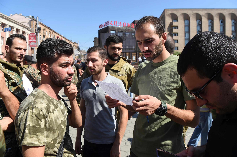 2020-09-27T095102Z_1237986911_RC2X6J935K1V_RTRMADP_3_ARMENIA-AZERBAIJAN