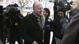 Chegada ao Tribunal de Lille nesta terça-feira, 3 de René Kojfer, ex-diretor de Relações Públicas do hotel Carlton