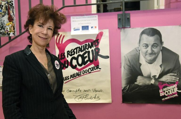 Véronique Colucci (vợ của Coluche) điều hành Les Restos du Coeur tới năm 2017.