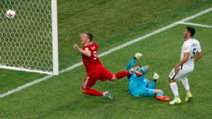 Đội tuyển Nga (áo đỏ) dễ dàng hạ New Zealand 2-0 trong trận khai mạc Confederations Cup 2017 trên sân vận động Saint-Petersburg, ngày 17/06/2017.