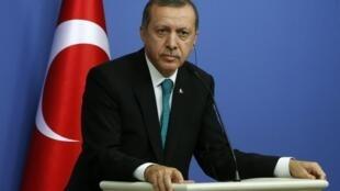 Pour certains commentateurs, Recep Tayyip Erdogan prépare sa candidature à la présidence de la République.