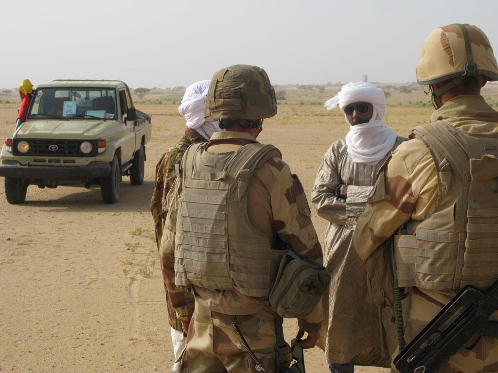 Солдаты, участвующие в операции «Бархан»