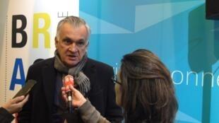 O ministro da Cultura brasileiro, Juca Ferreira, no Salão do Livro de Paris, nesta quinta-feira (19).
