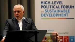 محمدجواد ظریف وزیر امور خارجه جمهوری اسلامی ایران، در همایش     High-Level Political Forum در دفتر مرکزی سازمان ملل در نیویورک. ٢٠۱٩ چهارشنبه ٢۶ تیر/ ١٧ ژوئیه