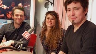 El violinista Mathias Naon y los bandoneonistas Carmela Delgado y Lysandre Donoso