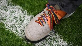 Governo francês quer acabar com insultos homofóbicos nos estádios de futebol