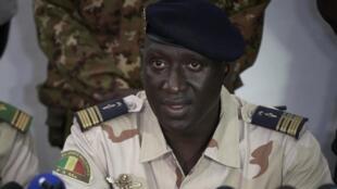 Kanali-Meja Ismael Wagué, msemaji wa CNSP kwenye mkutano na waandishi wa habari huko Bamako, Septemba 16, 2020.