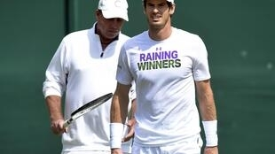Andy Murray won two Grand Slam tournaments while Ivan Lendl (behind) was his coach between 2012 and 2014.