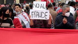 "Keiko Fujimori denuncia ""indicios de Fraude"" en Perú, pero ""sin evidencias"", según observadores."