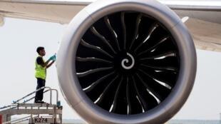Un Boeing 787 stationné sur le tarmac de l'aéroport Roissy Charles de Gaule en France. (Illustration).