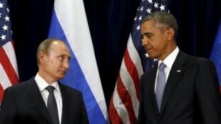Le président russe Vladimir Poutine et son homologue américain Barack Obama, lors de l'Assemblée générale des Nations unies à New York, le 28 septembre 2015.