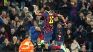 A transferência do craque do Santos, Neymar, para o Barcelona foi alvo de uma grande polêmica na Espanha.
