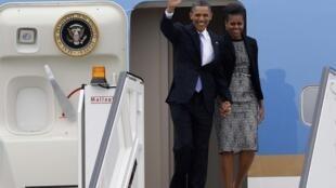 Chegada do presidente Barack Obama e a primeira-dama Michelle na Irlanda nesta segunda-feira.