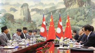 尼泊尔奥利总理代表团与中方代表团在北京举行会晤(2016年3月21日)