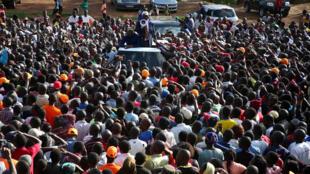 O chefe da oposição queniana, Raila Odinga, em Kibera, Nairobi, a 27 de Outubro de 2017.