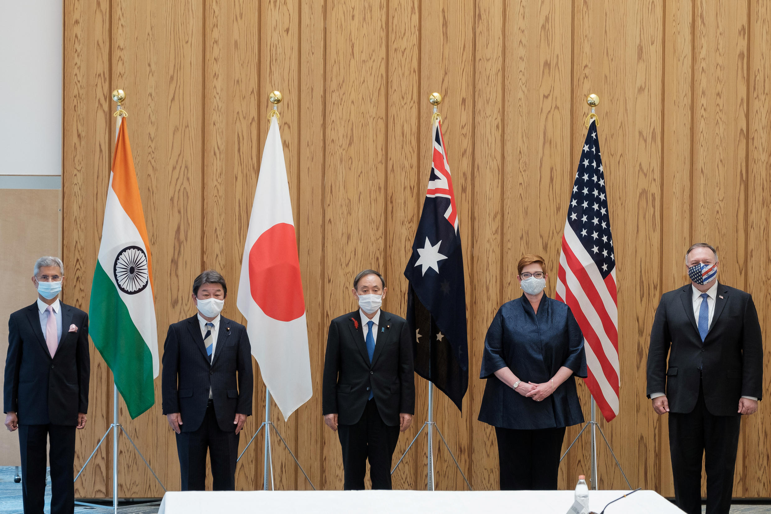 2020-10-06T065724Z_505558224_RC2UCJ9N4YU9_RTRMADP_3_JAPAN-FOREIGNMINISTERS