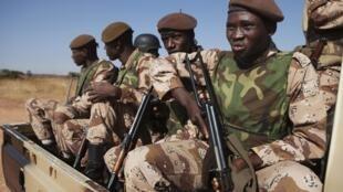 Soldats maliens à Bamako, le 16 janvier 2013.