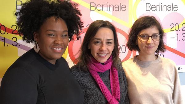 As atrizes Mawusi Tulani, Clarissa Kiste e Carolina Bianchi, falam de união das mulheres, dentro e fora das telas.