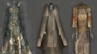 Vestido Valentino (e), traje escultural de Viktor & Rolf e conjunto bordado com pedraria de Dolce & Gabbana (d) fazem parte da exposição do Metropolitan