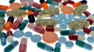 Mười hai tên thuốc vừa được bổ sung vào danh sách mới các loại thuốc tây nên tránh.