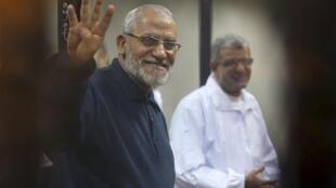 """Лидер движения """"Братья-мусульмане"""" Мухаммед Бади в суде Каира, 14 декабря 2014 г."""