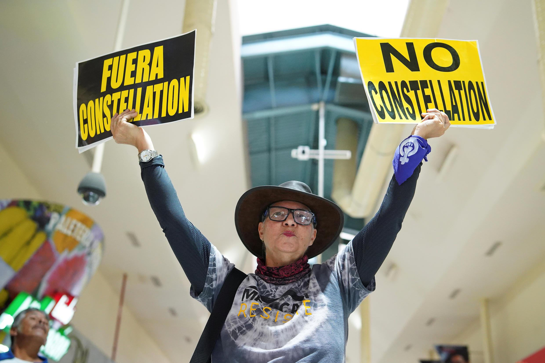 Habitantes de Mexicali, fronteriza con Estados Unidos, rechazaron mediante una consulta popular la construcción de una planta de la cervecera Constellation Brands.