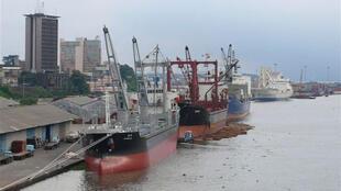 Le port de Douala, capitale économique du Cameroun.