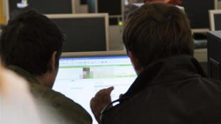 A rede internet continua sob censura em muitos países.