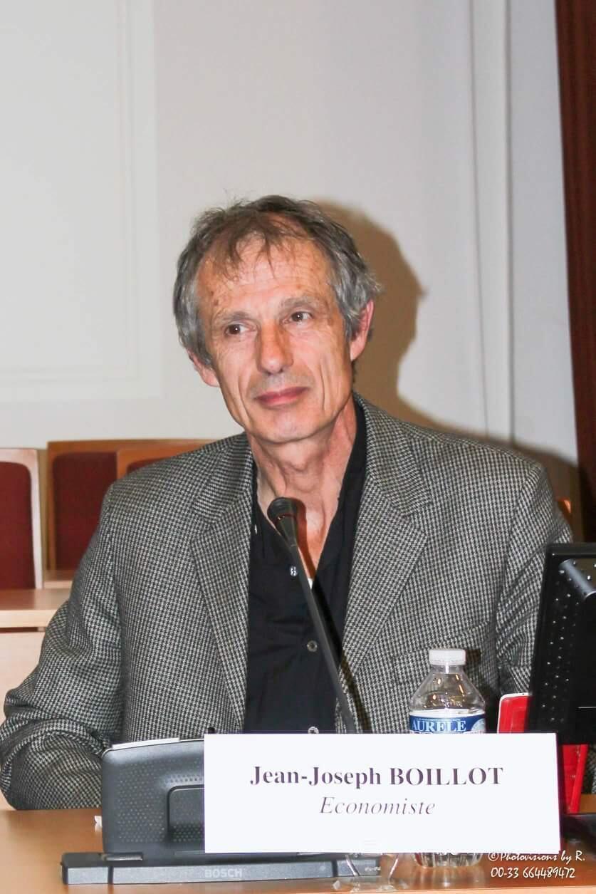 Jean-Joseph Boillot est économiste, spécialiste des mondes émergeants.