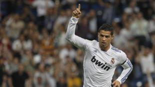 Kiungo Mshambuliaji wa Klabu ya Real Madrid Cristiano Ronaldo akishangilia moja ya magoli yake kwenye Ligi Kuu nchini Uhispani LA LIGA