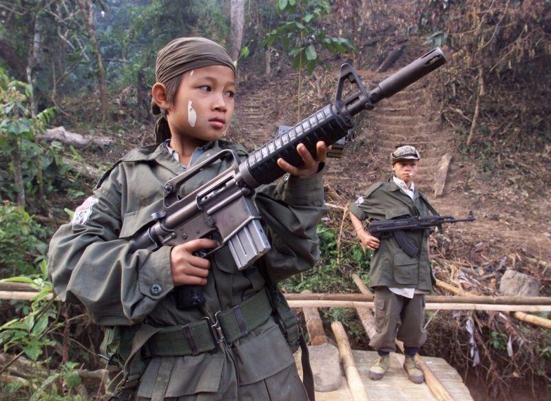 L'armée birmane a rendu à la vie civile 96 jeunes enrôlés dans l'armée birmane alors qu'ils étaient mineurs,
