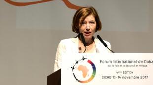 Florence Parly s'exprime au forum de Dakar sur la Paix et la Sécurité en Afrique, le 13 novembre 2017.