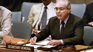 Javier Perez de Cuellar à l'ONU en août 1988 alors qu'il était secrétaire général des Nations unies.