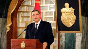 L'ex-Premier ministre tunisien Habib Essid (ici photographié le 5 janvier 2015), dont tout le pays attend le successeur, le 1er août 2016.