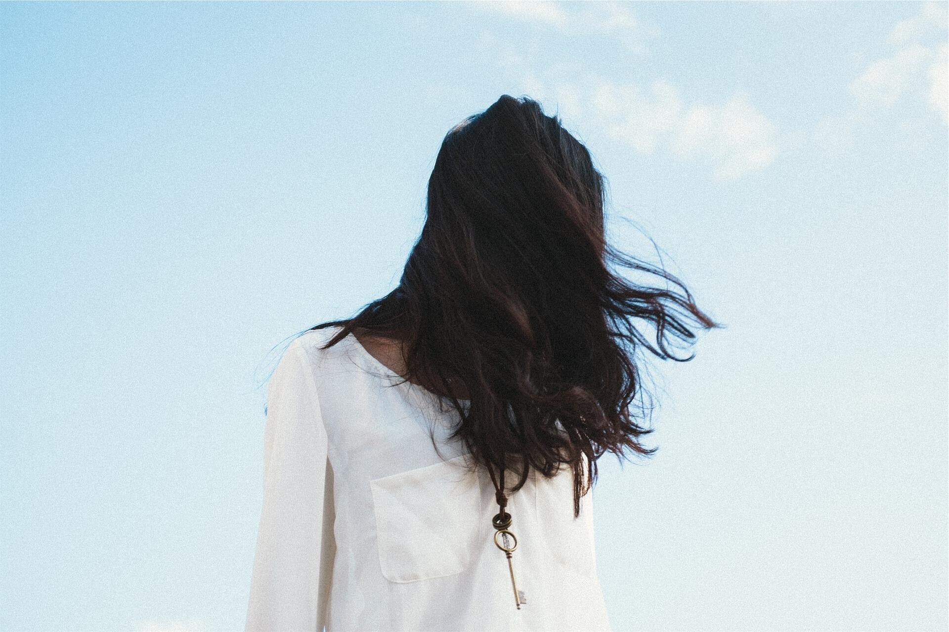 Resíduos de pesticidas nos cabelos de 60% dos europeus: é o que revela um estudo realizado em vários países europeus.