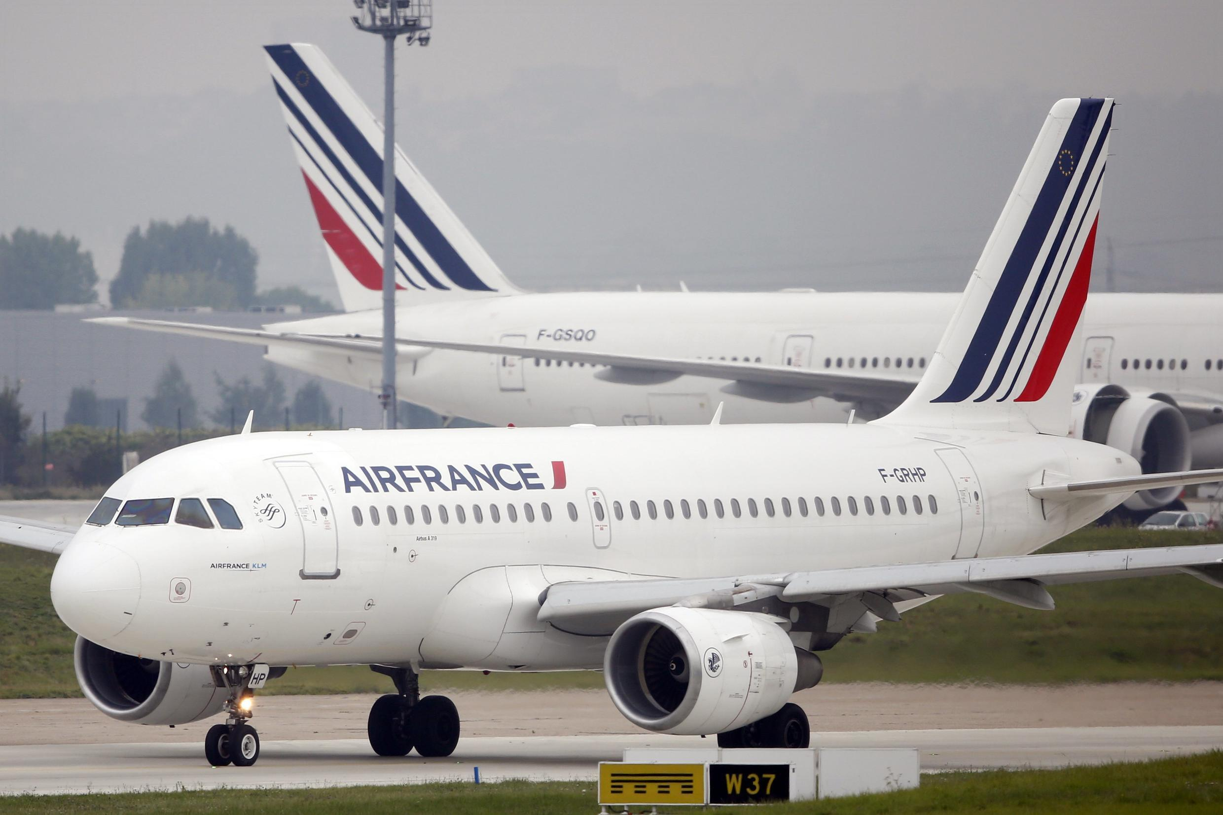 An Air France Airbus A319 at Orly airport