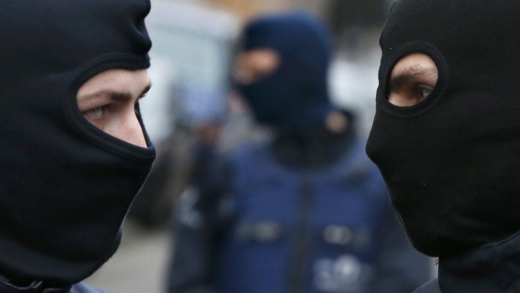 A polícia belga recebeu um alerta sobre um grupo de jihadistas que estariam vindo para a França e a Bélgica.