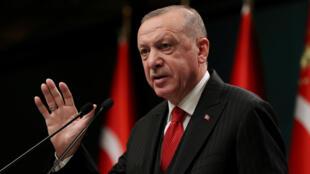 2020-12-08T050024Z_83254439_RC2TIK98S1LR_RTRMADP_3_TURKEY-ECONOMY