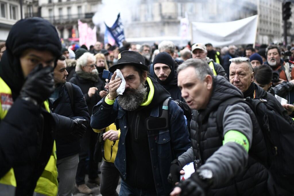Жером Родригес во время манифестации в Париже 28 декабря 2019 г.