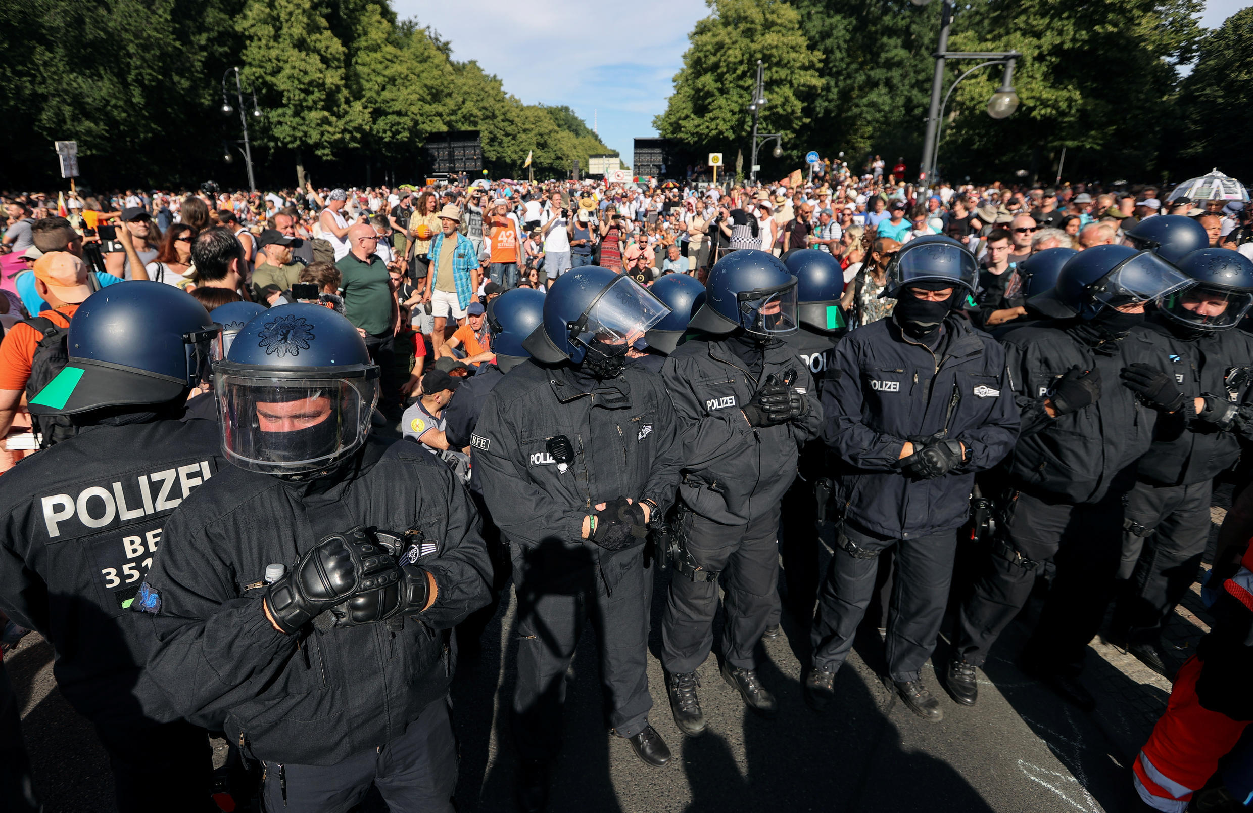 2020-08-01T152657Z_782336969_RC235I9MHHCM_RTRMADP_3_GERMANY-PROTESTS