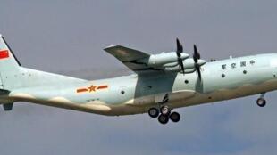 网传中国军队运八反潜机