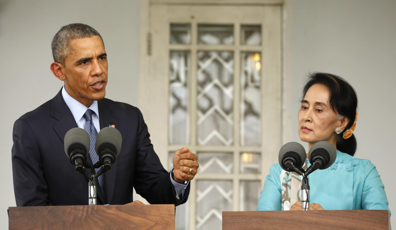 Barack Obama et Aung San Suu Kyi à Rangoon, le 14 novembre 2014.