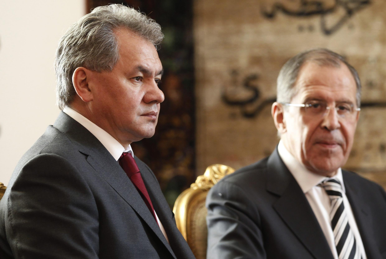 Bộ trưởng Quốc phòng Sergei Shoigu (T) và Ngoại trưởng Sergei Lavrov của Nga tại Phủ Tổng thống Ai Cập, Cairo, 14/11/2013